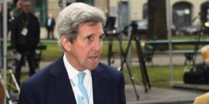 Kerry says Trump's handling of global challenges is 'unacceptable'