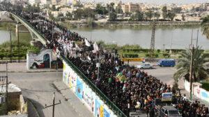 Coronavirus: Iraq Shiites defy curfews to commemorate revered imam