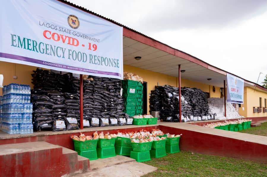 COVID-19 RELIEF ITEMS CHAOS: 300 persons get one loaf of bread, two sachets of tomato paste