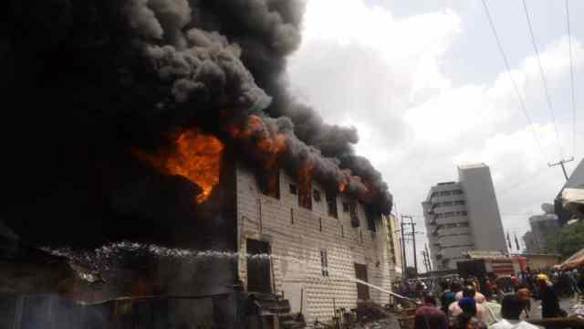 Fire guts popular Dugbe market in Ibadan