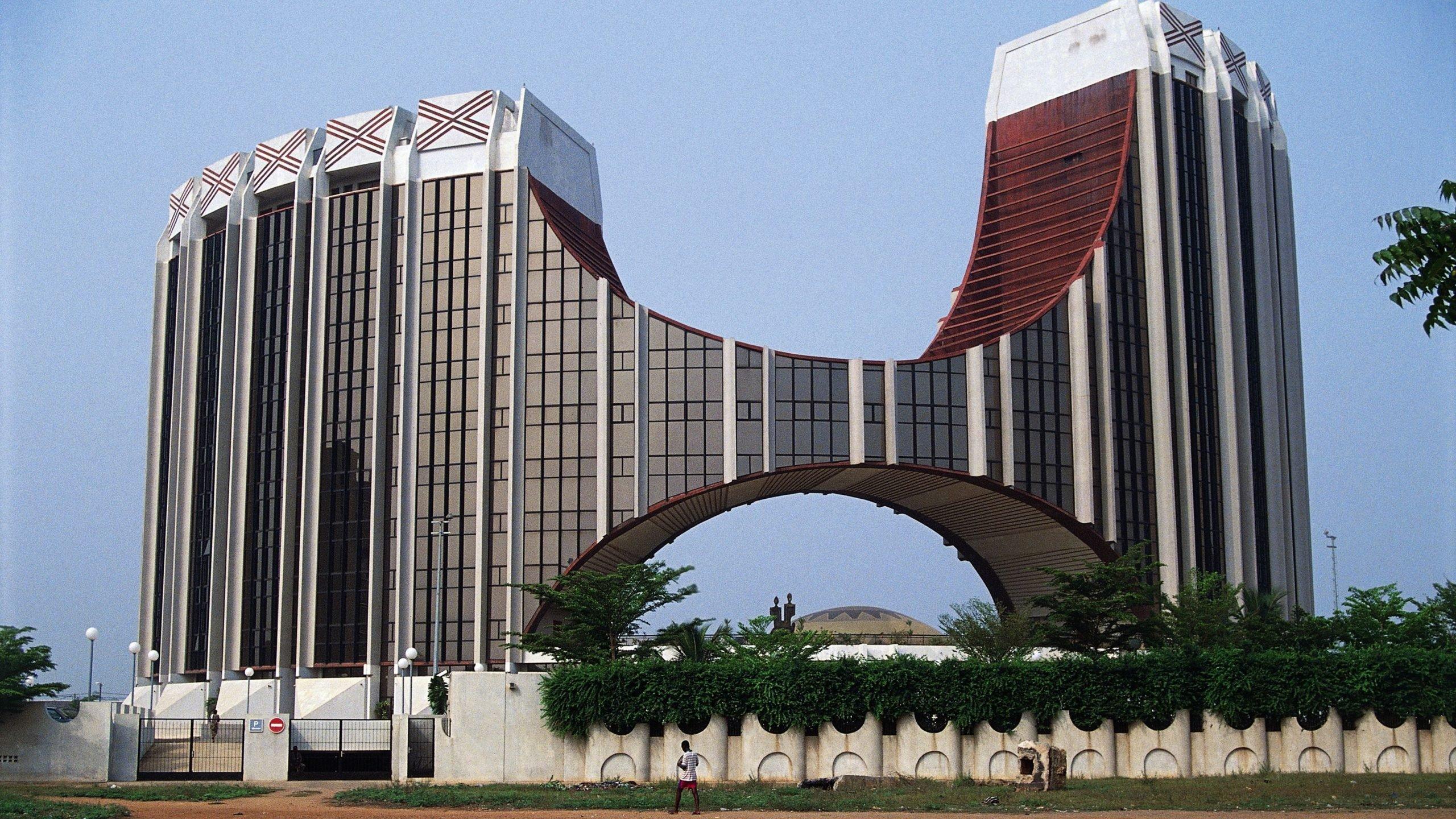ECOWAS donates 4,000 tonnes of food items to Nigeria