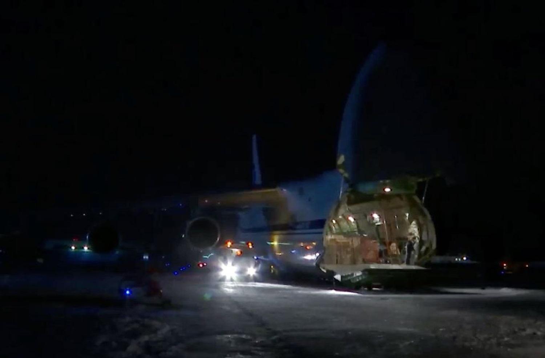 Putin sends military plane with coronavirus aid to help Trump's USA