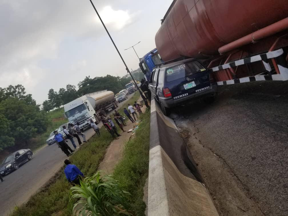 One dies, others injure as tanker rams into commercial bus, car on Otedola Bridge in Lagos