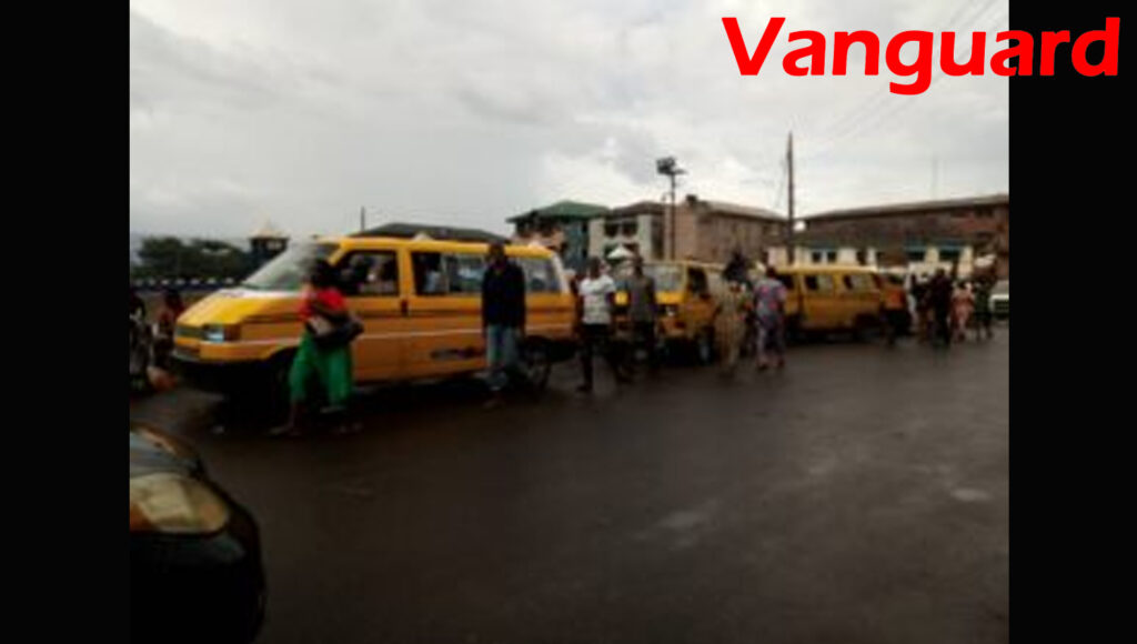 Day1 easing of Lockdown: Lagos residents flood roads, ignore social distancing guideline