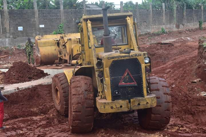 Obaseki constructs roads in Ekosodin after years of neglect, as projects excite residents