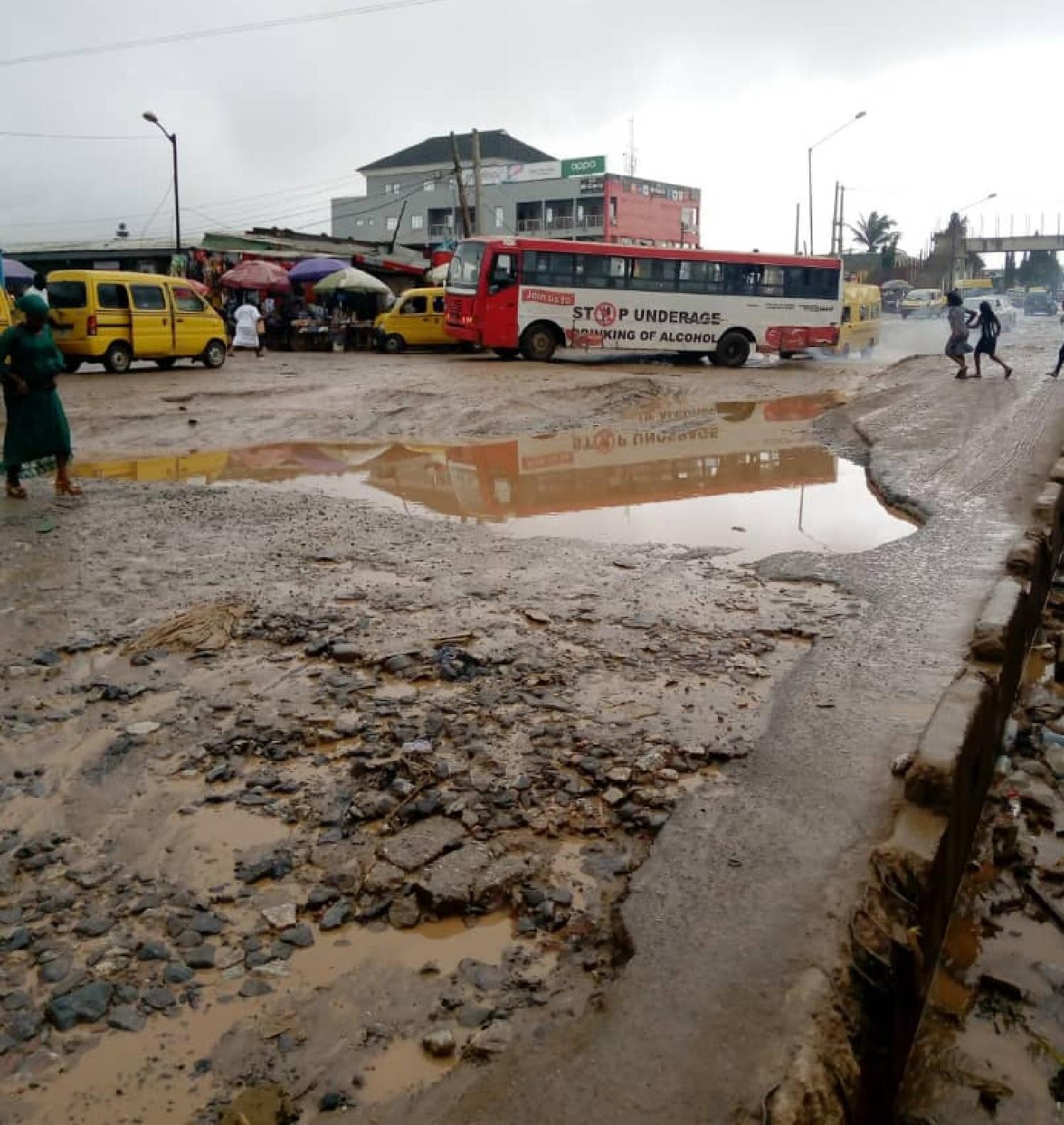 Downpour shuts down Lagos metropolis again