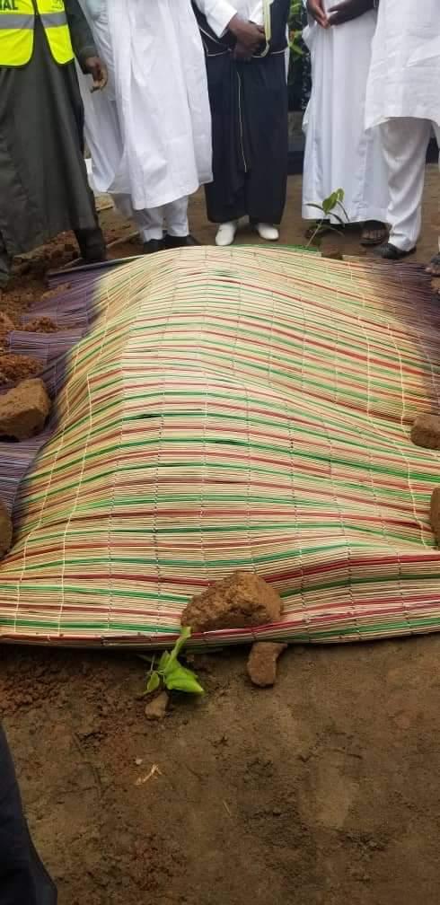 a 4 1 Ajimobi buried in Ibadan