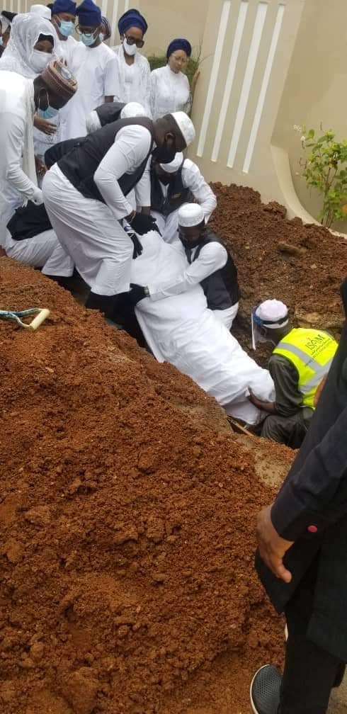 a 5 Ajimobi buried in Ibadan