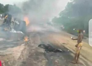 3 dead, 4 vehicles burnt as fuel tanker goes up in flames in Delta