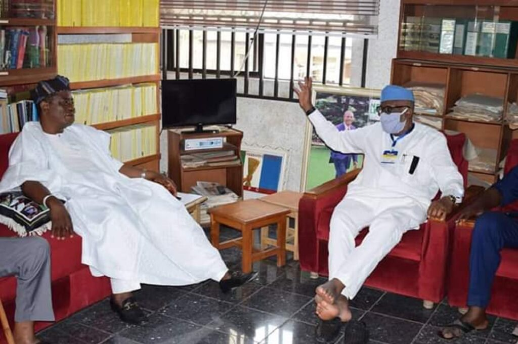 Fallout of Ondo APC Primary: Akeredolu pays surprise visits to 3 co-aspirants, seek reconciliation