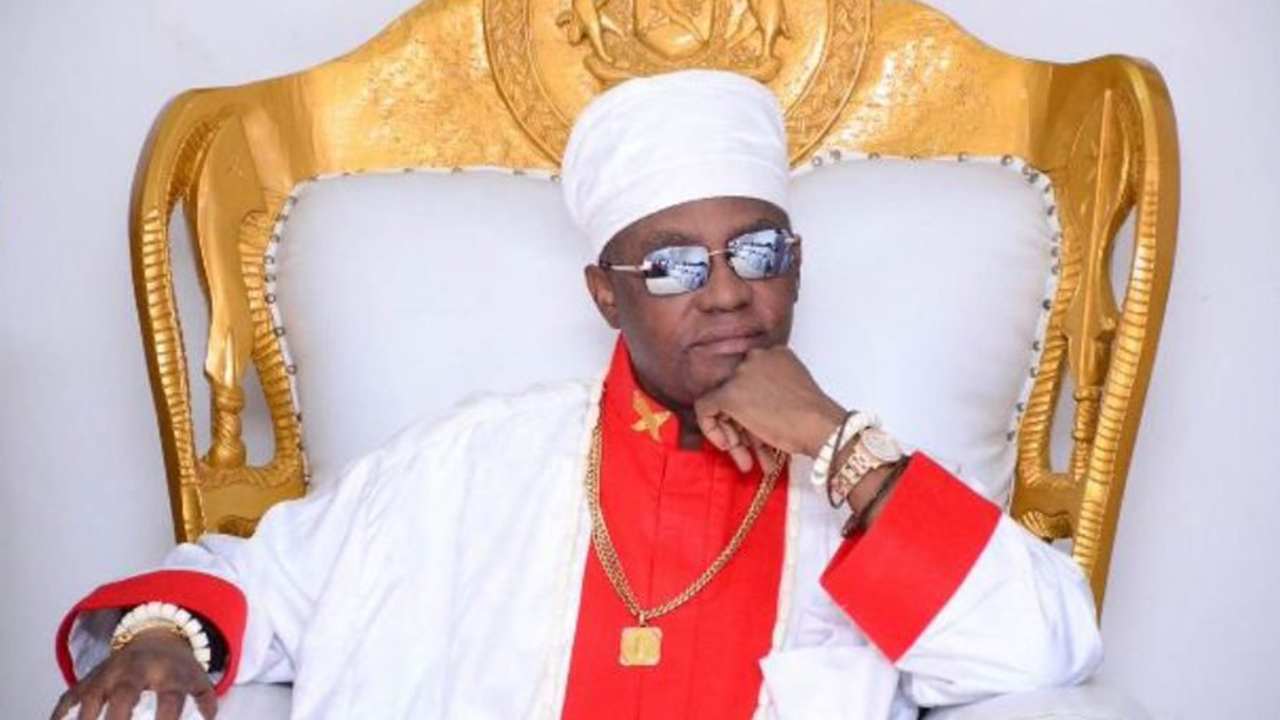 Oba of Benin, Ize-Iyamu felicitate with Muslims on Eid celebration