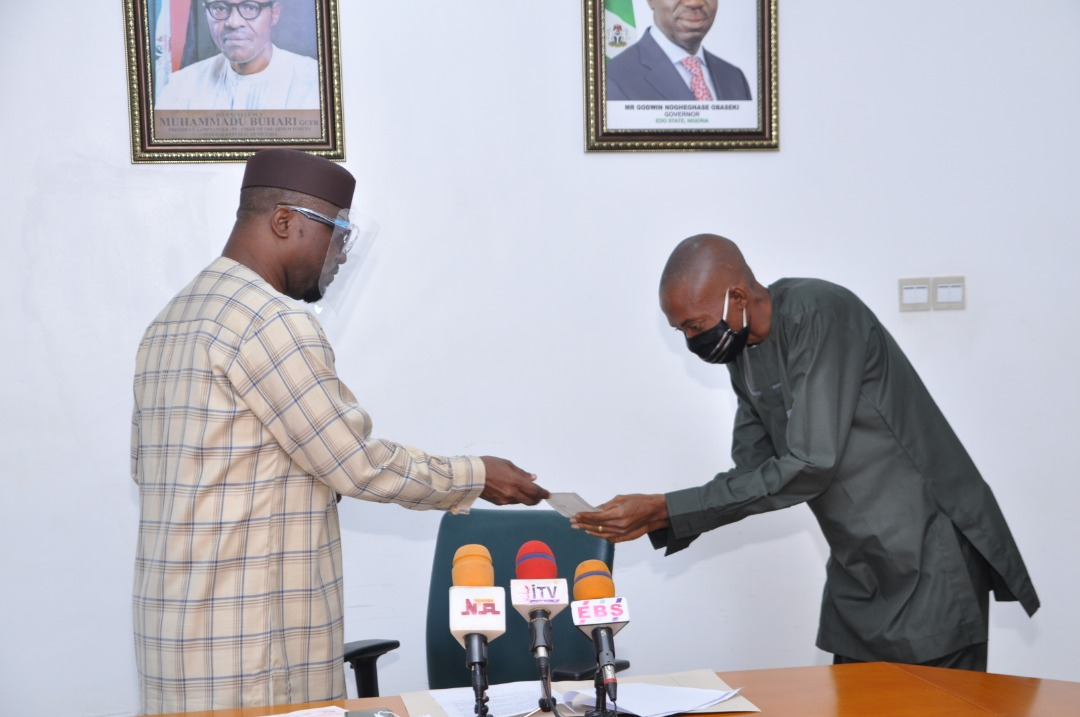 Contributory Pension Scheme: Obaseki presents N19m to seven families