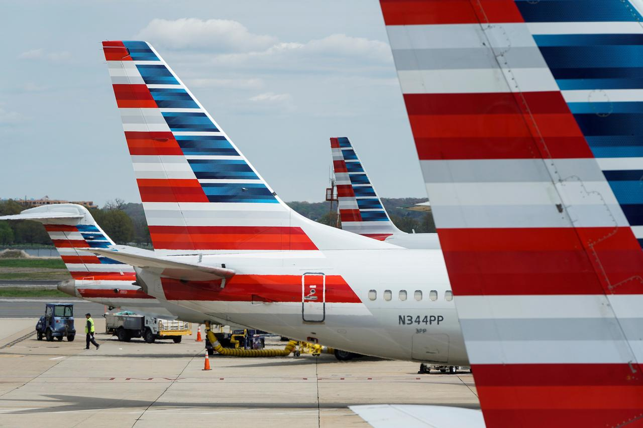 American Airlines threatens to cancel some Boeing 737 MAX orders