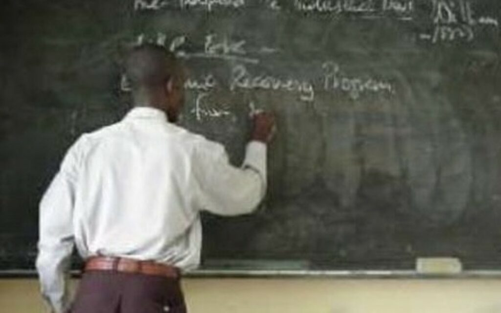 Ondo appoints 1,000 newly recruited teachers