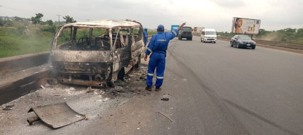 One roasted to death, others injured as fire guts bus on Lagos/Ibadan Expressway