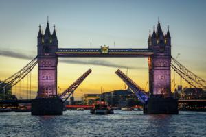 London's Tower Bridge gets stuck
