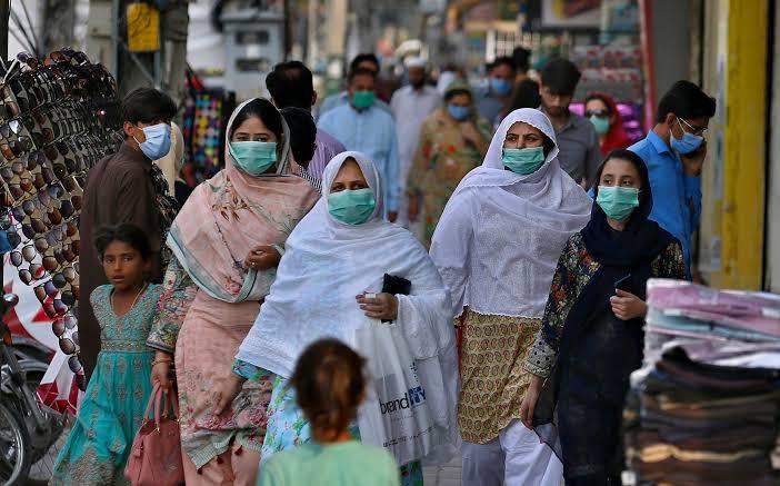 COVID-19: Pakistan ignores medics, lifts restrictions