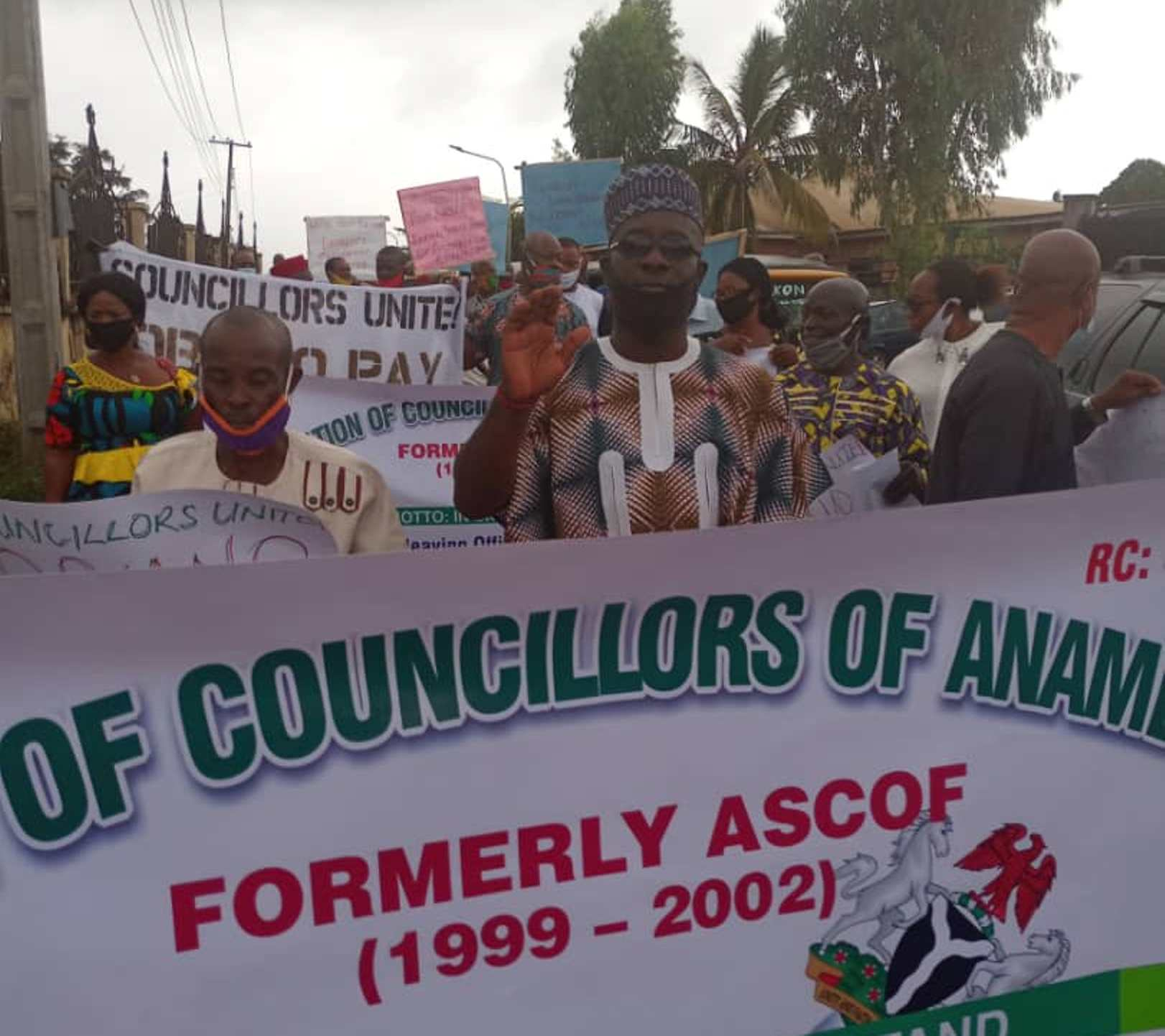 Former Anambra councillors take to streets over 18 years unpaid allowances