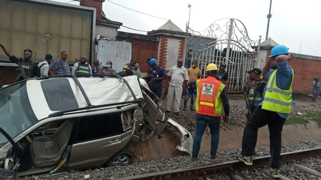 Sanwo-Olu, Amaechi visit train accident scene in Oshodi