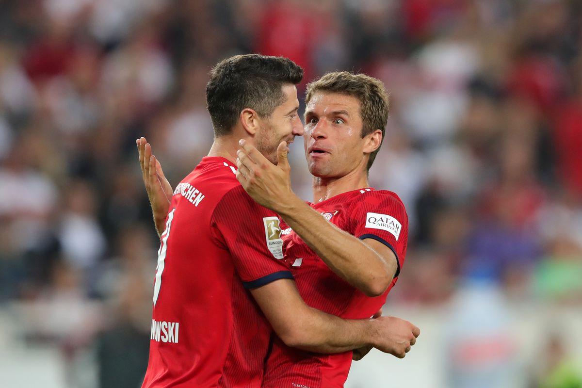 Lewandowski, Mueller doubles send Bayern second with 'crazy' Bielefeld win