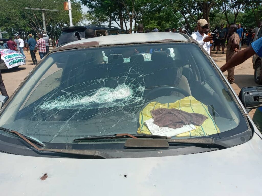 Armed thugs attack #EndSARS protesters in Abuja