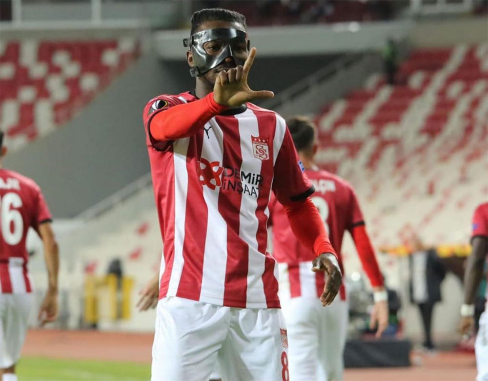 Olanrewaju Kayodesparkles in Europa League