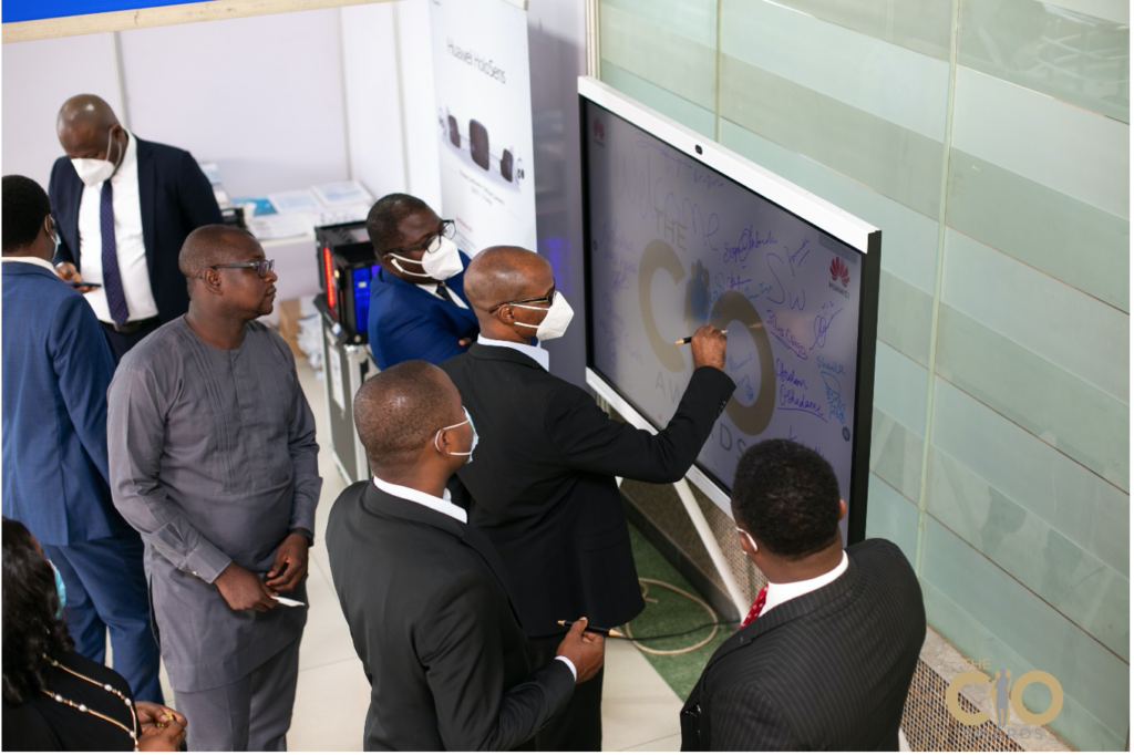 Huawei Ideahub being used by guests as a signature wall