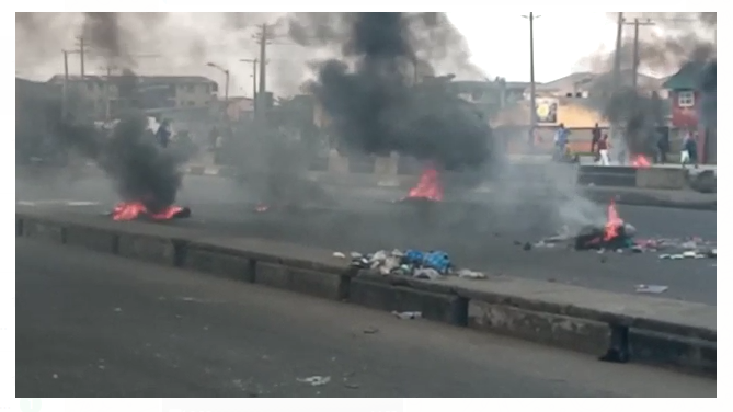 Traffic advisory: Bonfire along inward Mile 2 as taskforce, Okada rider clash