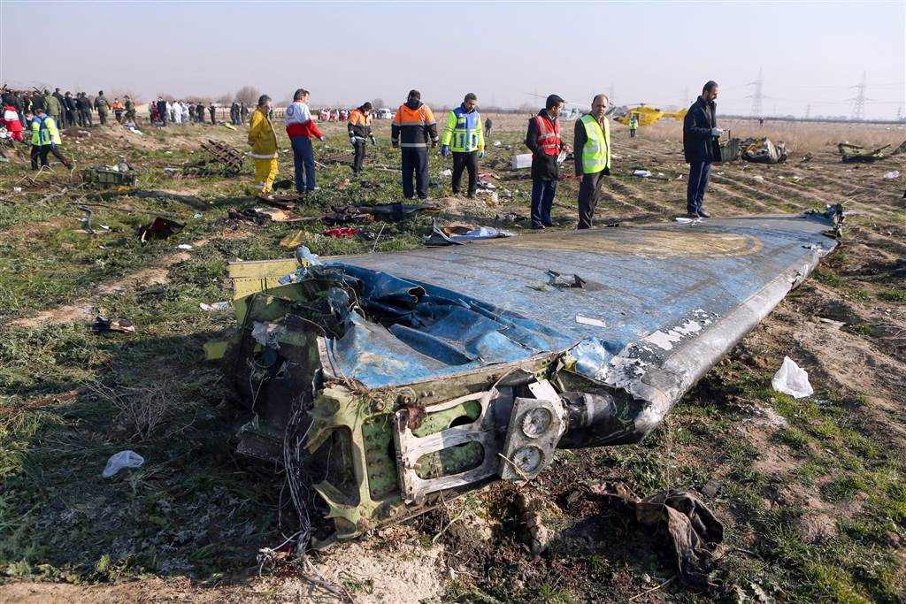 Iran agrees to pay compensation to relatives of downed plane victims