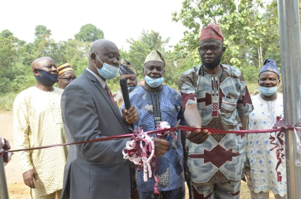 Old students donate borehole to alma mater