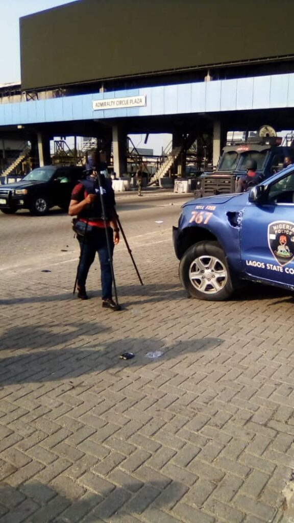 Pictorials: Situation reports from Lekki Tollgate