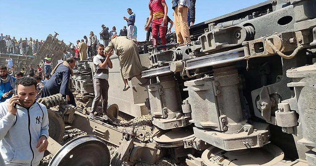Train collision leaves at least 32 dead in Egypt