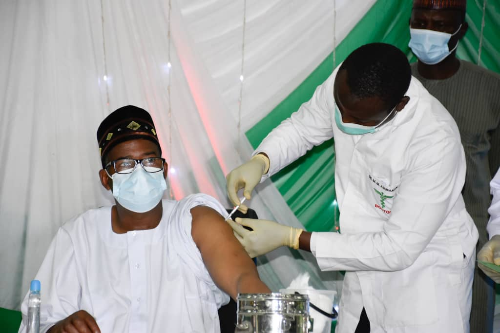 Bauchi gov takes Covid-19 vaccine, urges FG to source money for more