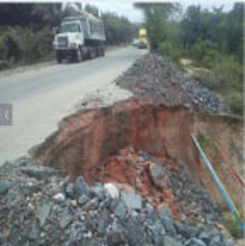 massive craters takeover Calabar-Uyo road
